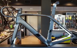 Trek MADONE 9 H2 Kit telaio Bici corsa + manubrio integrato (Usato, Taglia 54)